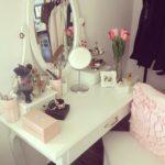 Masuta pentru make-up – Vanity table